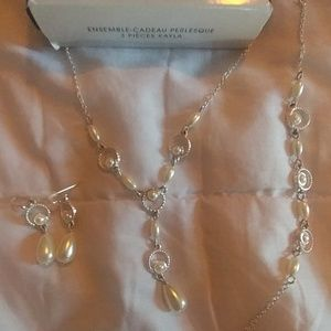 Avon Jewelry - Last chance! Beautiful (3) Pearlesque Set
